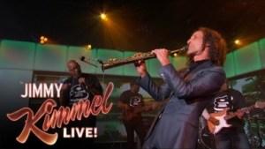 Video: Warren G & Kenny G - Regulate (Live on Jimmy Kimmel Live)